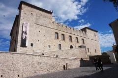 Château des Grimaldi, actuellement musée Picasso - English: Musée Picasso, Antibes.