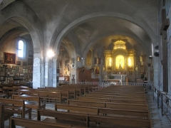Eglise Notre-Dame de la Garoupe - English: Nave of the church of Our Lady of la Garoupe, at the cap d'Antibes, Alpes-Maritimes, France