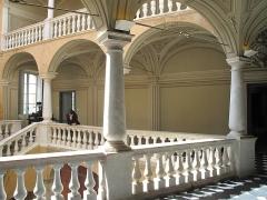 Château Grimaldi ou château de Cagnes - English: Galleries of the Cagnes castle (Alpes-Maritimes, France).