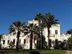 Villa Rothschild - Français:   Cannes - Villa Rothschild - La villa dans son parc