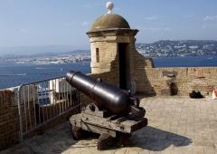 Fort, actuellement Musée de la Mer - English:   the Fort of St Marguerite