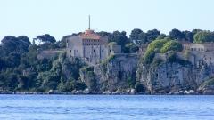 Fort, actuellement Musée de la Mer -  Fort De La Castre na wyspie św. Małgorzaty widok z Palm beach Cannes