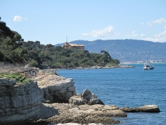 Fort, actuellement Musée de la Mer - English: The fort-Royal of the Sainte-Marguerite island (Alpes-Maritimes, France) seen from East side.