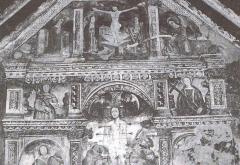 Chapelle Saint-Sébastien -  Dans la chapelle Saint-Sébastien classée monument historique en 1947 et située à la sortie nord du village d'Entraunes, fresques de 1515-1516 du martyre de saint Sébastien par Andréa de Cella.