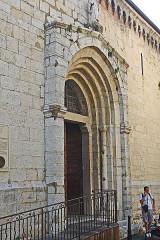 Cathédrale - Deutsch: Kathédrale Notre-Dame-du-Puy von Grasse, Nordportal