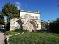 Tombeau romain - Français:   Villa Lumone, Roquebrune-Cap-Martin, France