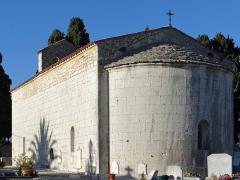Chapelle du cimetière - Français:   Saint-Cézaire-sur-Siagne - Chapelle Notre-Dame-de-Sardaigne - Ensemble vu du chevet