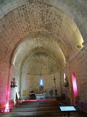Chapelle du cimetière - Français:   Saint-Cézaire-sur-Siagne - Chapelle Notre-Dame-de-Sardaigne - Nef