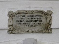 Chapelle de Saint-Hospice - English: Carved plaque inside the Saint-Hospice chapel in Saint-Jean-Cap-Ferrat (Alpes-Maritimes, France).