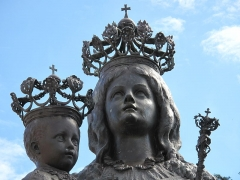 Chapelle de Saint-Hospice - English: Heads of the statue of the Virgin and Her Child of the chapel Saint-Hospice in Saint-Jean-Cap-Ferrat, Alpes-Maritimes, France