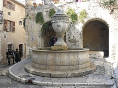Fontaine publique - English: Saint-Paul (Saint-Paul de Vence)