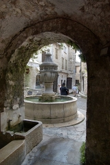 Fontaine publique -  Saint-Paul-de-Vence, La grande Fontaine