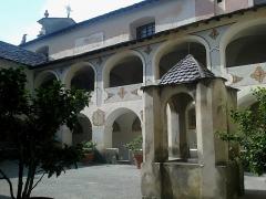 Ancien couvent des Franciscains -  La Roya Saorge Monastere Franciscain Cloitre Fontaine