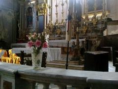 Eglise Saint-Sauveur et chapelle des Pénitents blancs ou de Saint-Jacques -  La Roya Saorge Eglise Saint-Sauveur Choeur Autel