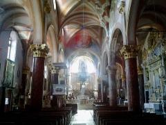 Eglise Saint-Sauveur et chapelle des Pénitents blancs ou de Saint-Jacques -  La Roya Saorge Eglise Saint-Sauveur Nef 07072015