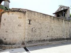 Eglise des Templiers - Français:   Sigale - Église Saint-Michel vue de l\'abside du chevet