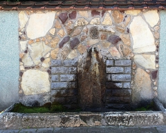 Chapelle des Pénitents Gris - English: A public water source in the city of Peja