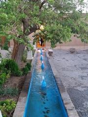 Chapelle des Pénitents Gris - فارسی: نمای ورودی باغ دولت آباد
