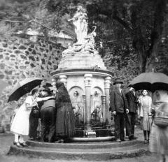 Chapelle des Pénitents Gris - Magyar: a szent kút.