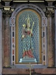 Sanctuaire de Laghet - English: Statue of Notre-Dame de Laghet in the choir of the church (Alpes-Maritimes, France).