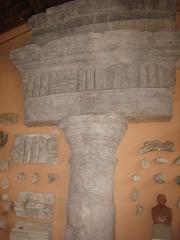 Ruines du Trophée d'Auguste, actuellement Musée du Trophée d'Auguste - Deutsch: Originale Bauteile des Tropaeum Alpium im Museum von La Turbie