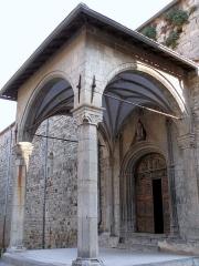 Eglise Saint-Veran - Français:   Utelle - Église Saint-Véran - Porche d\'entrée
