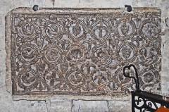 Ancienne cathédrale de la Nativité-de-Notre-Dame - Deutsch: Kathedrale von Vence, merowingisches Flechtwerk