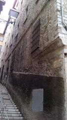 Ancien couvent de la Visitation Sainte-Claire - Fulfulde: Le couvent de la Visitation dans le Vieux Nice, vu de l'angle de la rue Sainte-Claire et de la rue des Serruriers