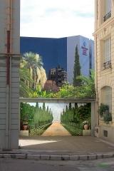 Immeuble Gloria Mansions -  Nice-Quartier des Baumettes Le Gloria Mansions, 125 Rue de France, quartier des Baumettes  La cour intérieure   Prise de vue E, circa 10h