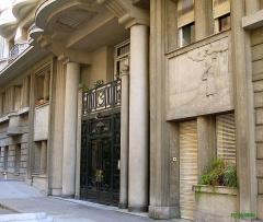 Immeuble Gloria Mansions -  Nice-Quartier des Baumettes Le Gloria Mansions, 125 Rue de France, quartier des Baumettes  Porte d'entrée principale   Prise de vue NW, circa 10h