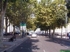 Ensemble concerté constitué au fond du port Lympia -  Place Ile de Beauté, vers l'ouest et la rue Cassini.