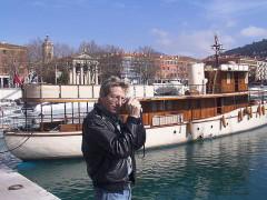 Ensemble concerté constitué au fond du port Lympia -  Nice-Le port