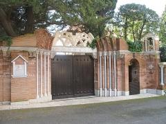 Propriété dite Villa Torre-Clementina - English: Portal of the villa Torre Clementina in Roquebrune-Cap-Martin (Alpes-Maritimes, France).