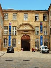 Ancien archevêché, puis Musée des tapisseries et théâtre - Français:   Palais archiépiscopal d\'Aix-en-Provence (Bouches-du-Rhône, France)