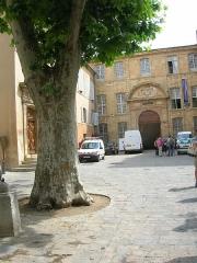 Ancien archevêché, puis Musée des tapisseries et théâtre - Lëtzebuergesch: Aerzbeschofspalais, Aix-en-Provence.