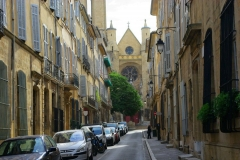 Eglise Saint-Jean-de-Malte - English: A narrow street leading to a church in Aix-en-Provence, France.