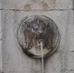 Fontaine des Tanneurs - English:  Detail of the fountain located Rue de la Couronne in Aix-en-Provence in France.