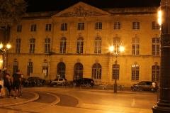 Halle aux grains - English: Post office in Aix-en-Provence (Bouches-du-Rhône, France).