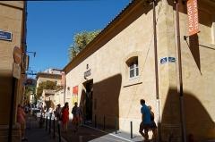 Hôtel de Réauville ou de la Tour d'Aigues ou de Caumont - Deutsch: Zugang zum Caumont Centre d'Art im Hôtel de Caumont in Aix-en-Provence