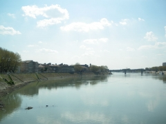 Ancienne commanderie de Malte, actuellement musée Reattu - English: Rhône river near Arles