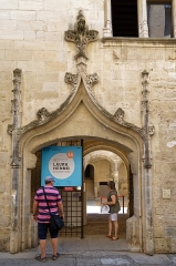 Commanderie de Sainte-Luce de l'Ordre de Malte - Deutsch: Commanderie de Sainte-Luce in Arles, Portal