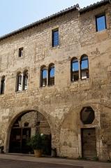 Hôtel de ville - Deutsch: Palais des Podestats in Arles, Innenhof