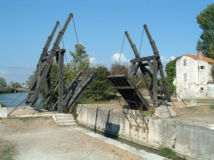 Pont Van-Gogh et maison pontière -  Die Brücke von Langlois