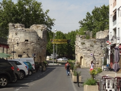 Remparts - English: Arles, France