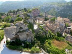Baumes de Roucas - English: Les Baux from above, Provence