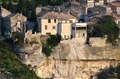 Immeuble dit Restes de la Maison du Roi - Deutsch: Les Baux-de-Provence von Nord-Westen, Teilansicht