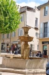 La fontaine du 18s -  Fontaine; Cassis, Provence-Alpes-Côte d'Azur, France