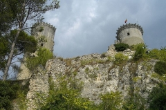 Château féodal -  Chateau a Chateaurenard