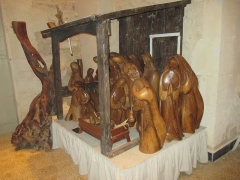Abbaye Saint-Michel de Frigolet - English: Nativity scene in Abbaye Saint-Michel-de-Frigolet. The statues are made of olive wood. This nativity scene was not publicly displayed, but in a semi-storage, awaiting the Christmas time to be displayed.