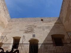 Château d'If - Alexandre Dumas fit d'Edmond Dantes le plus célèbre des prisonniers du château d'If. Malheureusement il ne fut pas le seul à agoniser (ou presque) dans des conditions qui aujourd'hui dépassent l'entendement.